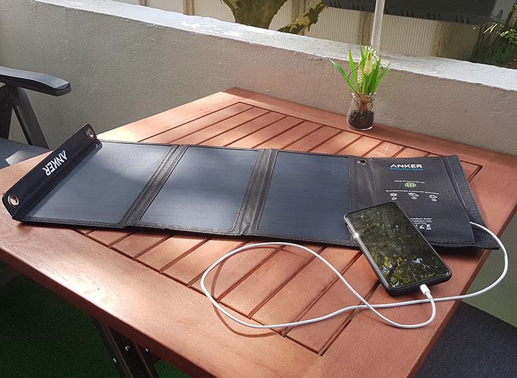 solar ladeger t f r handy im test bringt das was oder. Black Bedroom Furniture Sets. Home Design Ideas