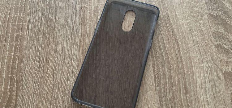 OnePlus 6T die originale mitgelieferte transparente Hülle im Test