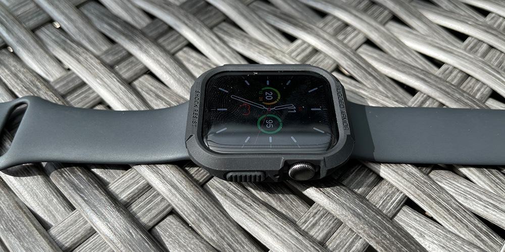 apple-watch-spigen-rugged-armor-hülle-test-2