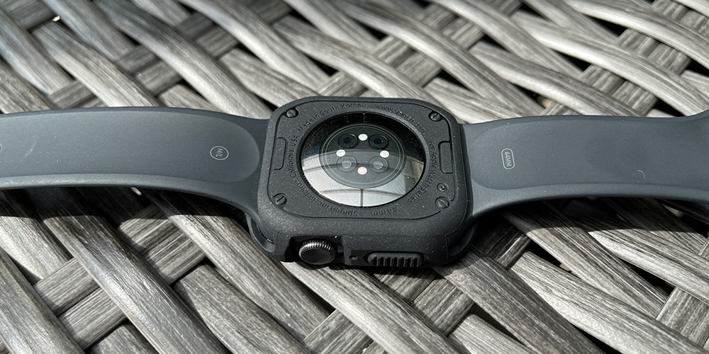 apple-watch-spigen-rugged-armor-hülle-test-3